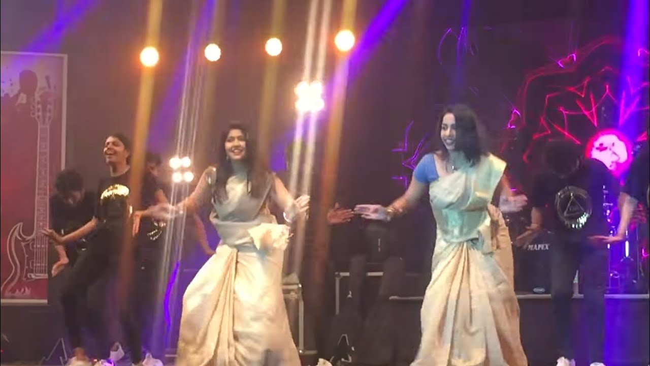 Sodakku Song Dance Live perform Jimikki Kammal Girls